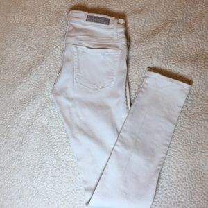 Rock and republic white jeans size 0